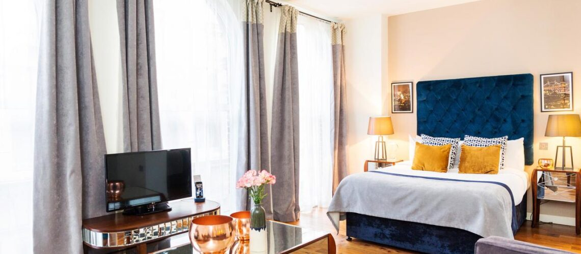A masterbedroom image from an apartment with Synergy Global Housing at Synergy @Lovet Lane